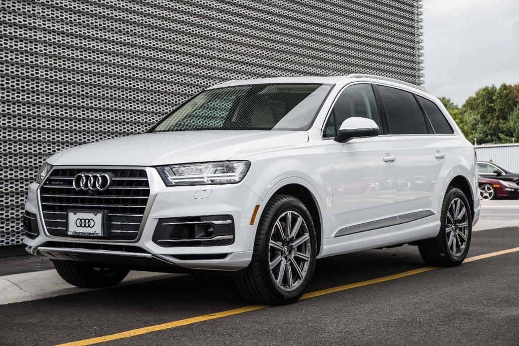 """2018 Audi Q7 s above about """"2018 Audi Q7"""" is posted by Matthew"""