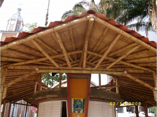 Fotos de cubiertas techos estructuras en guadua for Estructuras para jardin