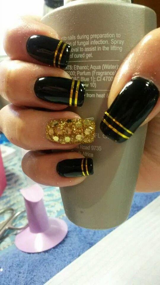 Black and gold | Nails | Pinterest | Finger, Ninas nails and Makeup