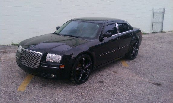 Chrysler 300 On 22 Inch Dolce Dc30 In Black W Chrome Inserts