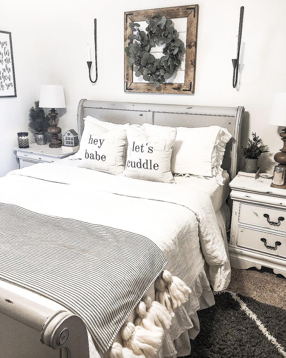 Modern Farmhouse Bedroom Decor Ideas For The Vintage Country Style Home Antique Candle W Farmhouse Bedroom Decor Modern Farmhouse Bedroom Country House Decor
