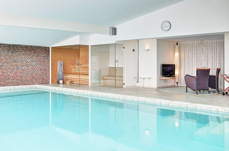 Indoor Swimming Pool By Vsb Wellness Binnenzwembaden Binnenzwembad Sauna S