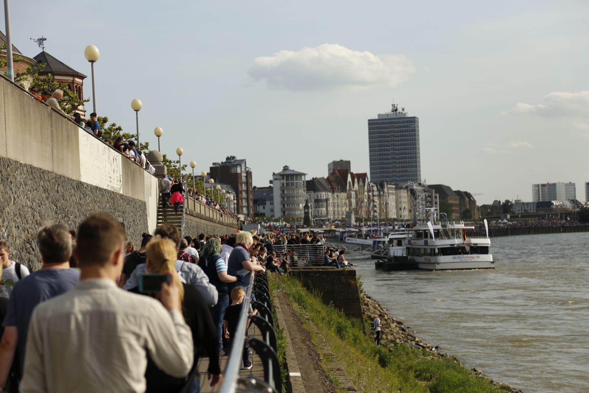 Viele Neugierige zog es zum Japantag in die Düsseldorfer Altstadt