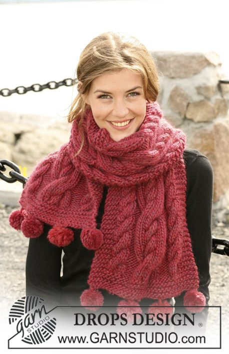 """DROPS scarf with cable pattern in """"Eskimo"""". ~ DROPS Design 