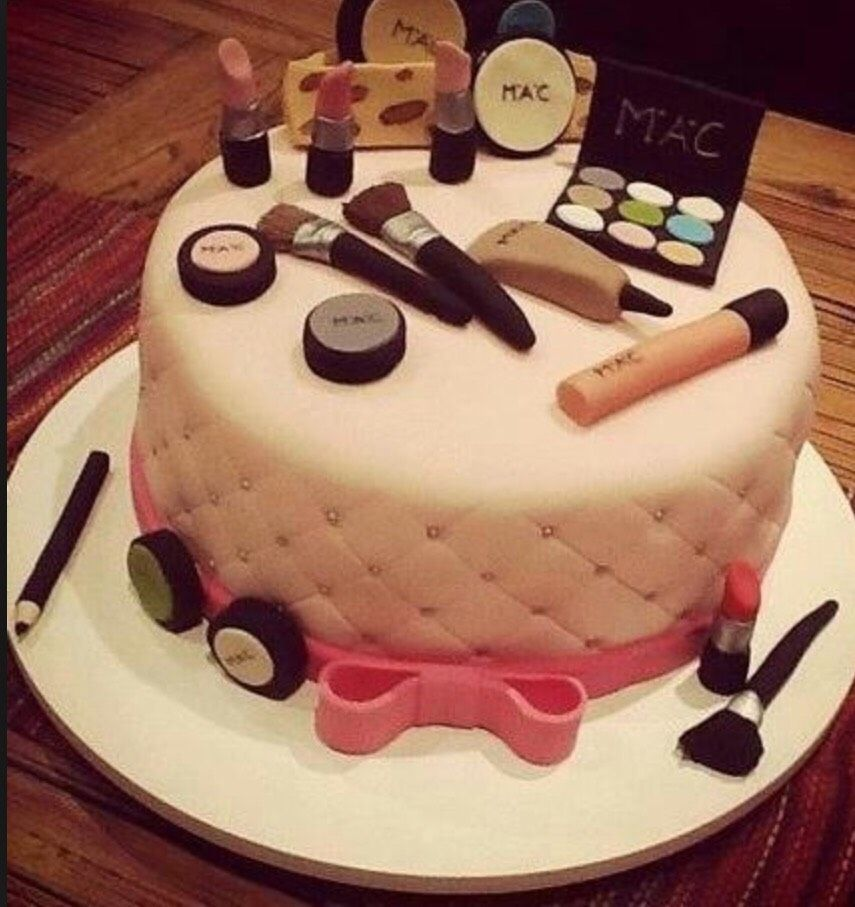 Great Birthday Cake For Teenage Girls Or Anyone Who Likes Their Makeup