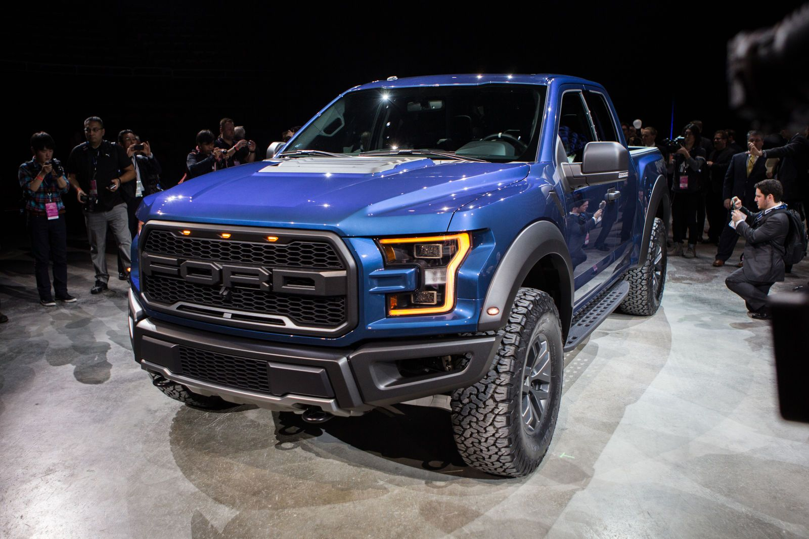 2016 Ford F 150 Raptor Live Gallery Roadandtrack