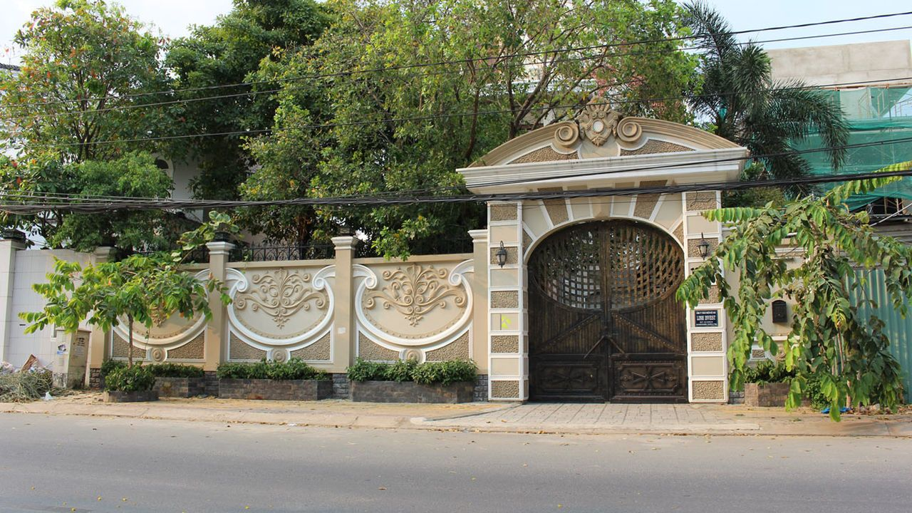 Aluminum Villa Gate Designs Aluminum Gate Architecture Gate Gate Fence Gates Luxury Villa Outdoors Villas Villas Gate Design Gate Design Dream Shower Design