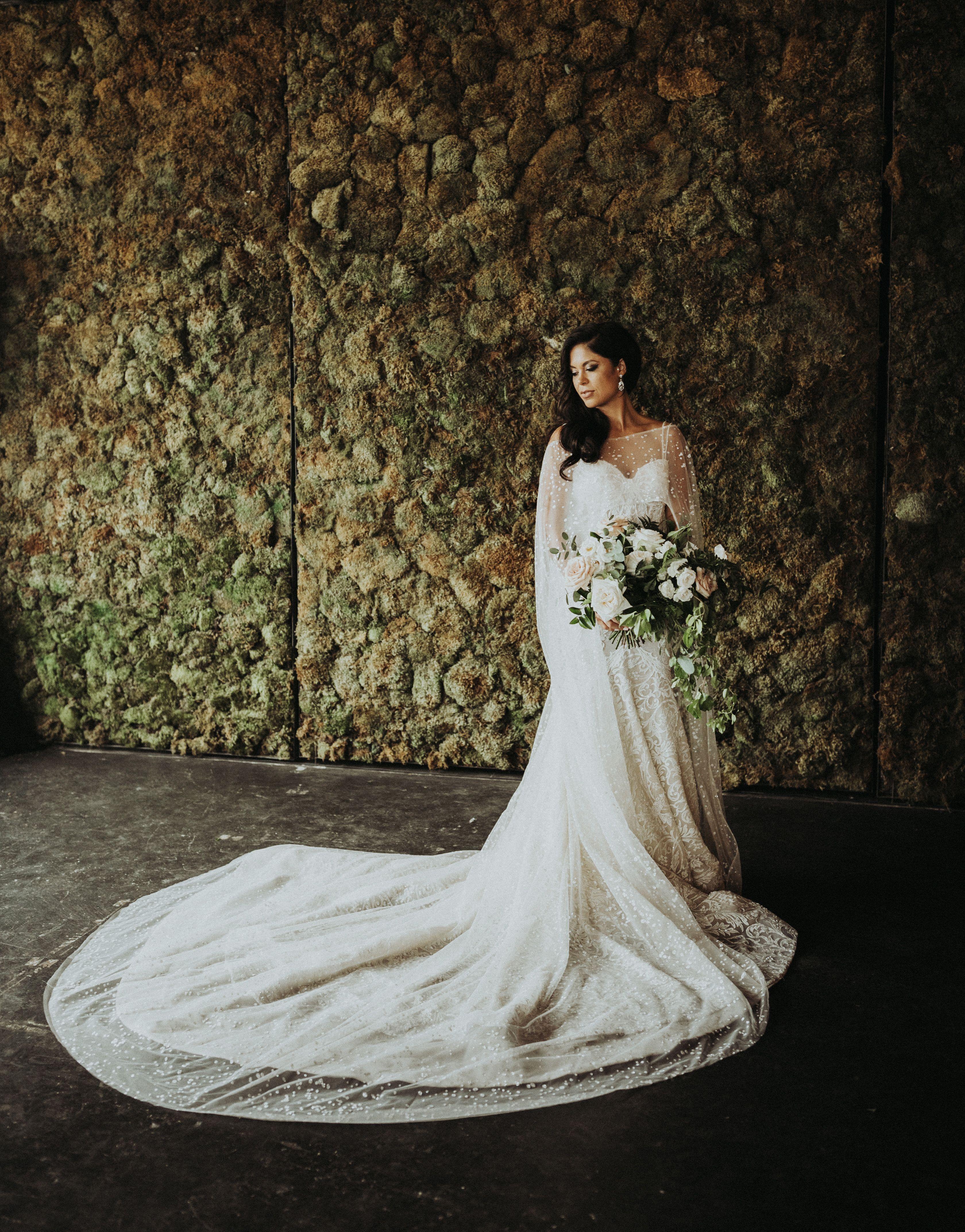 Bride, Bridal Bouquet, Long Train, White Flowers, Moss