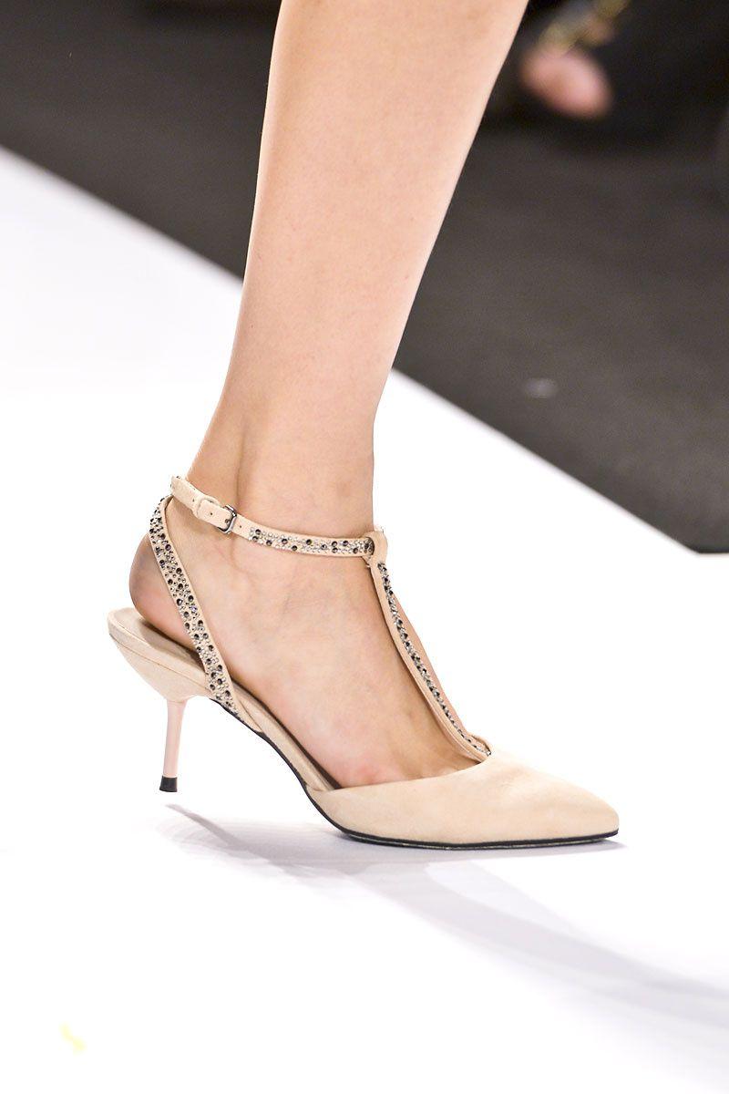 Tendencia Primavera 2013 zapatos tacon bajo - Academy of Art  597e70785235