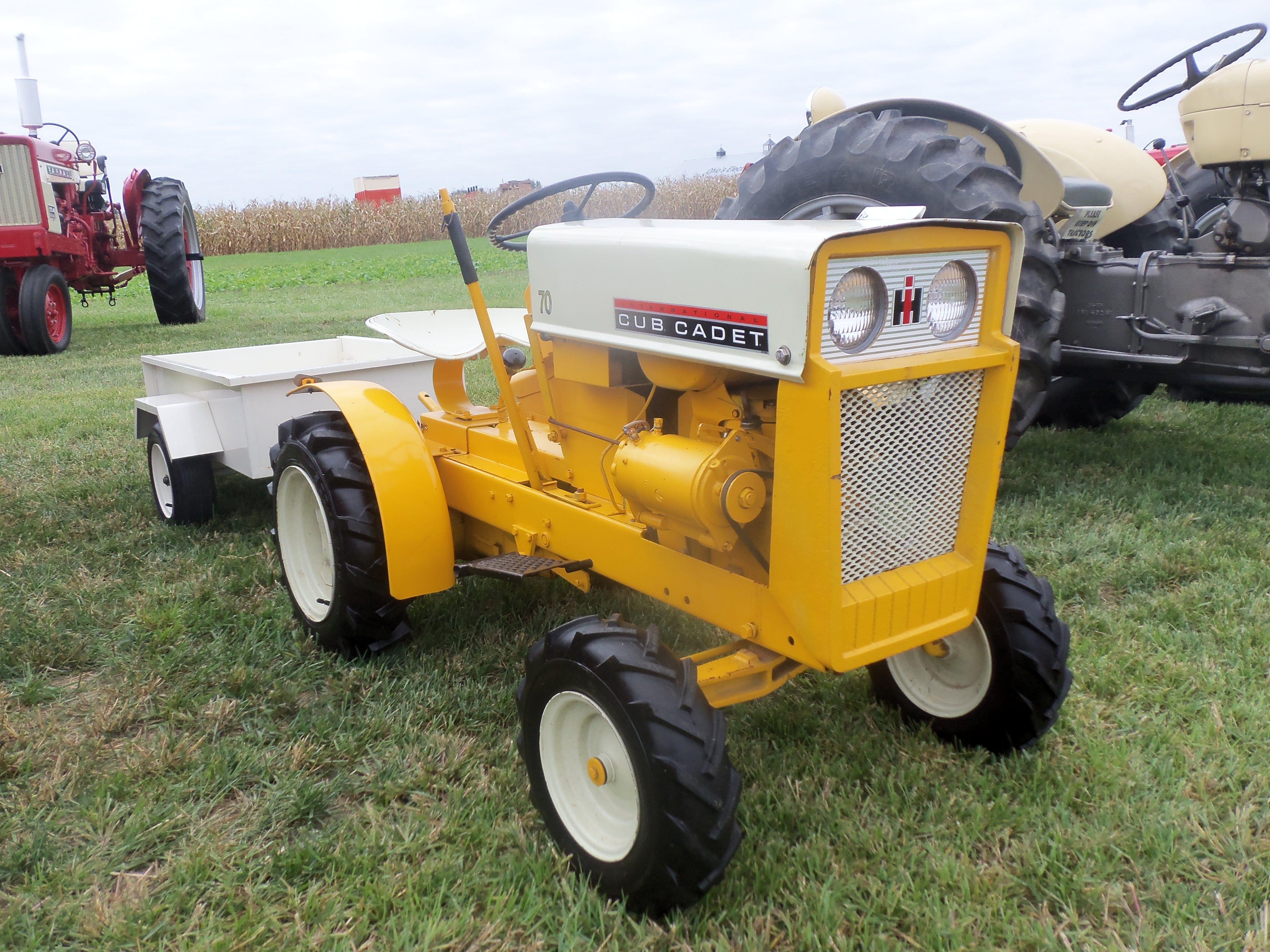 International Cub Cadet 70 Lawn Garden Tractor With White Wagon International Farmall