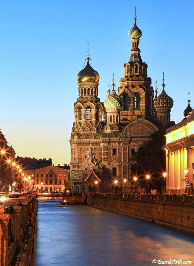 01:00 am @ St.Petersburg by Burak Arik  #russia