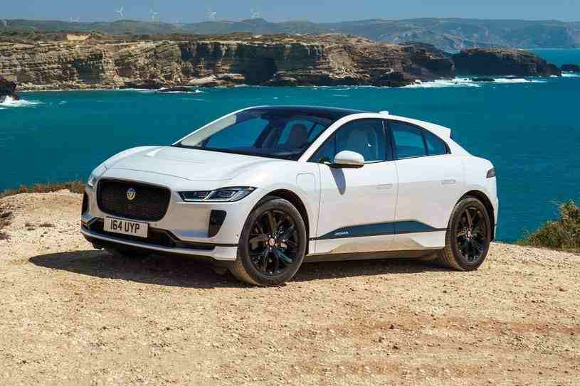 جاكوار I بيس 2020 الكهربائية بالكامل الجديدة توفر تسارعا قويا ومعالجة حادة ورحلة ركوب مريحة وذلك بفضل قوة محركاتها والتي تصل Best Luxury Cars Jaguar Luxury Suv