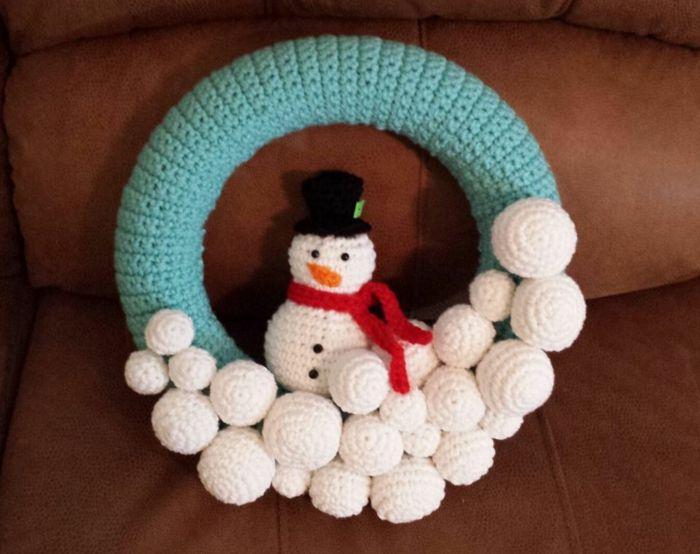 tolles modell vom kranz zum weihnachten - schneemann häkeln ...
