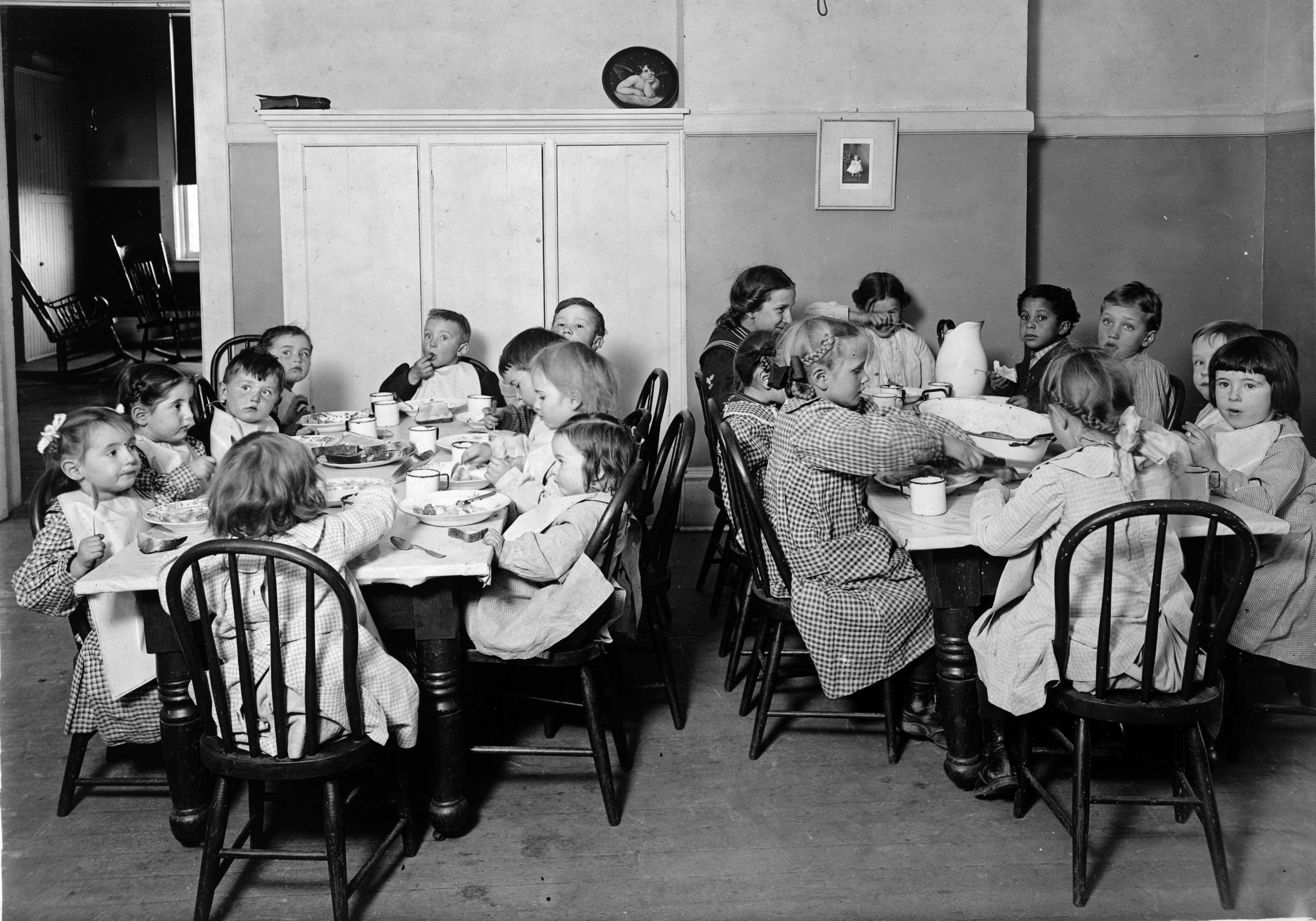 Great Depression Soup Kitchens Cooking in a depression | America ...