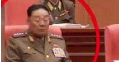 صورة وزير دفاع كوريا الشمالية وهو نائم تسببت فى إعدامه رمي ا بالرصاص Cocktails