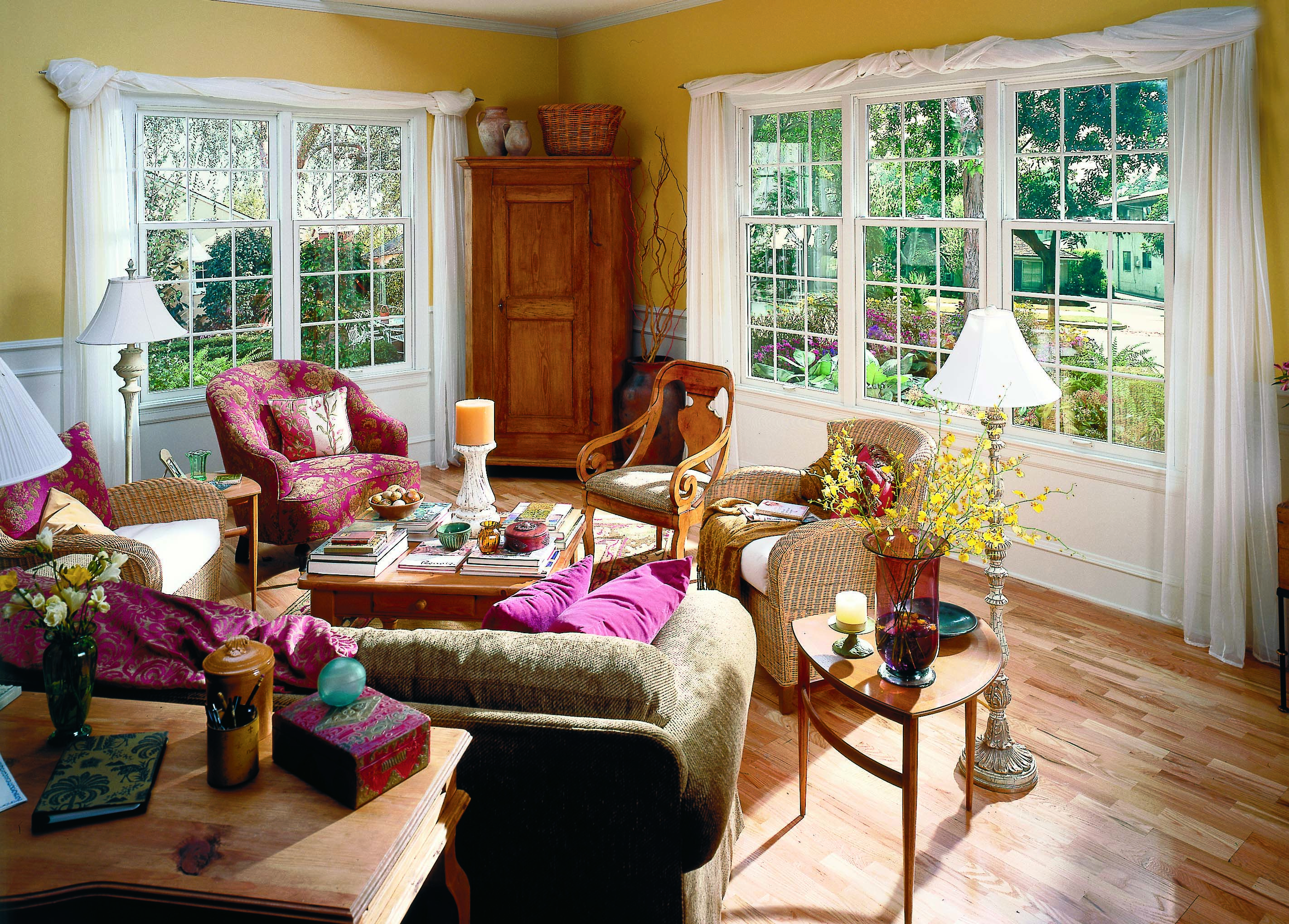 What Sets Renewal By Andersen Apart Is Our Focus On The Whole Window Performance For Improved C Double Hung Double Hung Replacement Windows Double Hung Windows