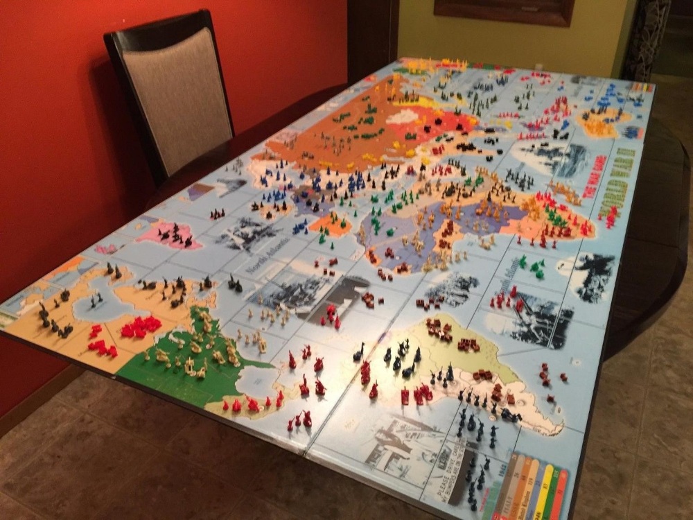 HUGE CUSTOM RISK GAME BOARD and LOT (OVER 3000 PIECES