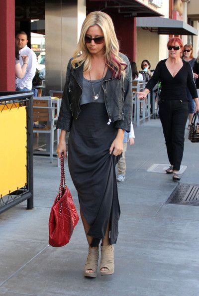 Pin on I love Ashley Tisdale street style