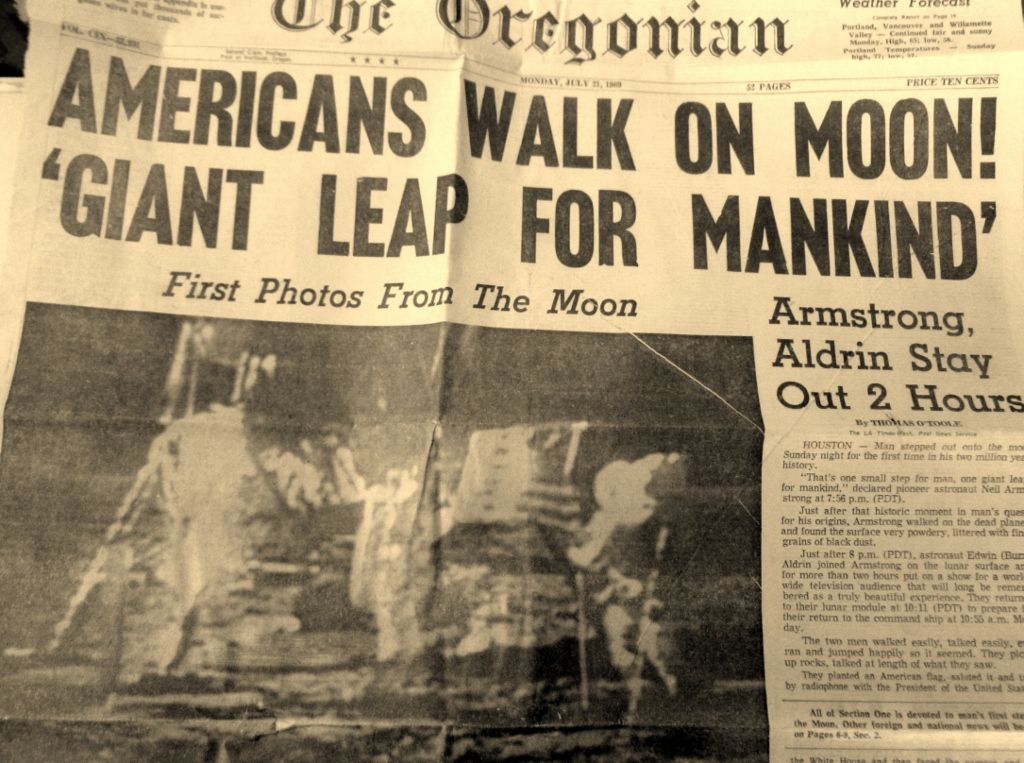 Pin By Lssah On Newspaper Headlines Historical Newspaper Newspaper Headlines Newspaper Article
