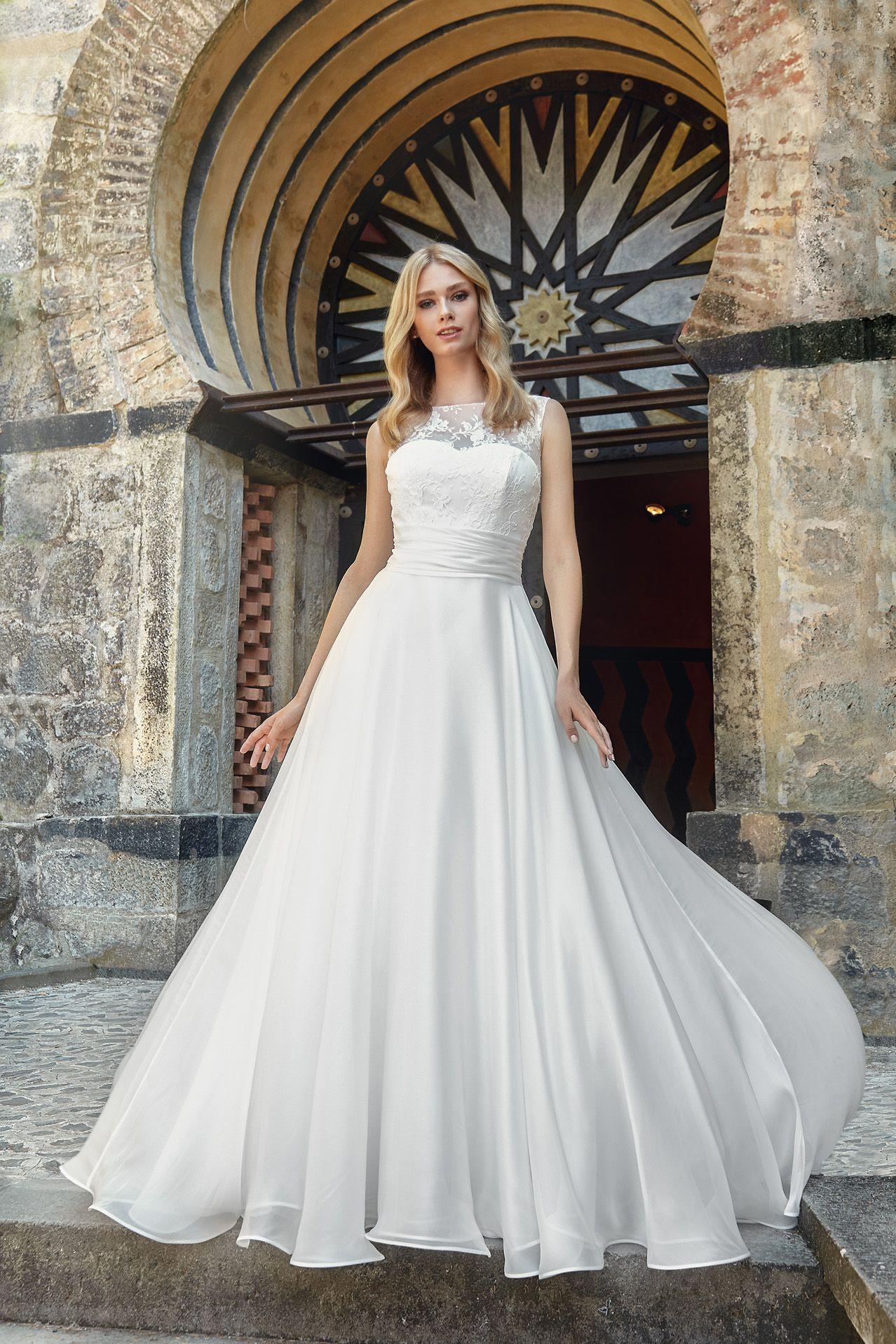 MODELLO SB 0318 Stupendo abito da sposa in organza voile di seta pura e  bustino in 24c1697104d