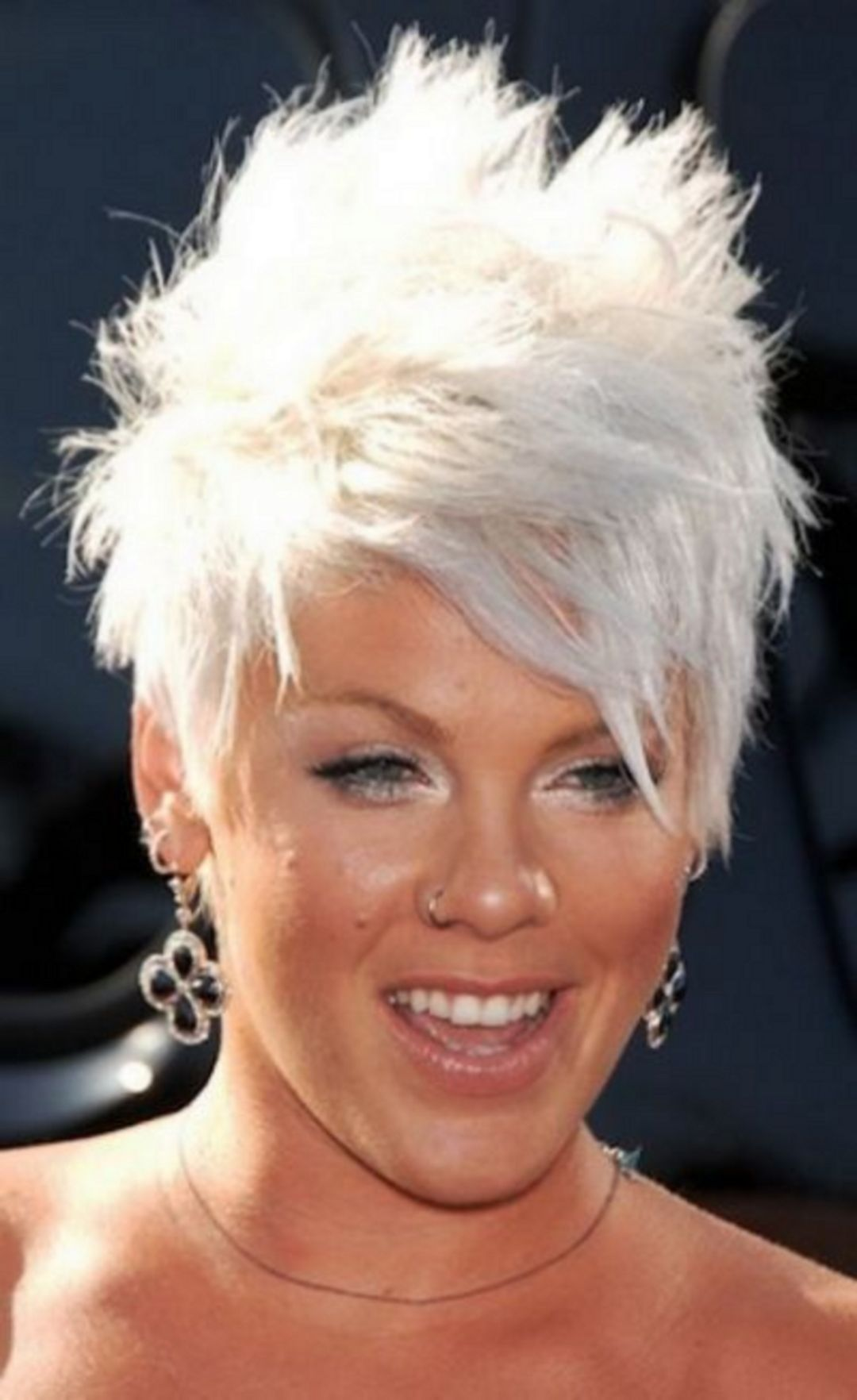 comfortable short pixie hairstyle for cute women short pixie