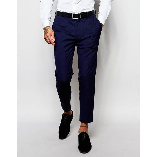 8 Ways to Wear Cropped Trousers With tailored styling becoming more and more popular on a casual level, the cropped trouser is a key piece that pulls the trend together. As daring as they sound, cropped men's trousers will be your go to staple piece.