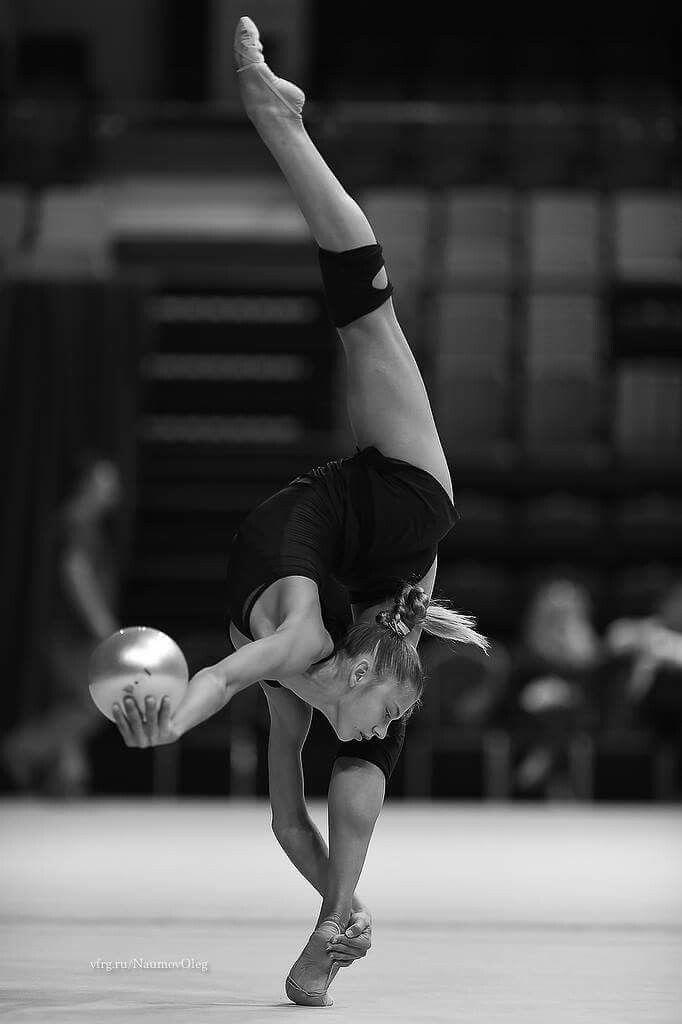 Pin on Rhythmic Gymnastics (Photos)