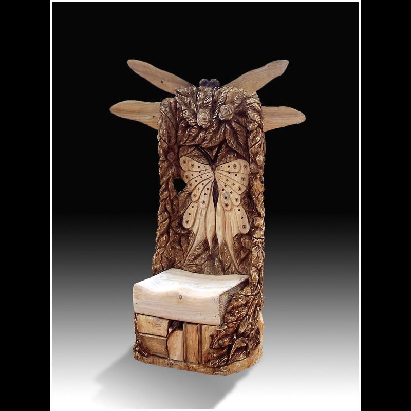 Dragon fly story chair chainsaw carving by tree sculptor