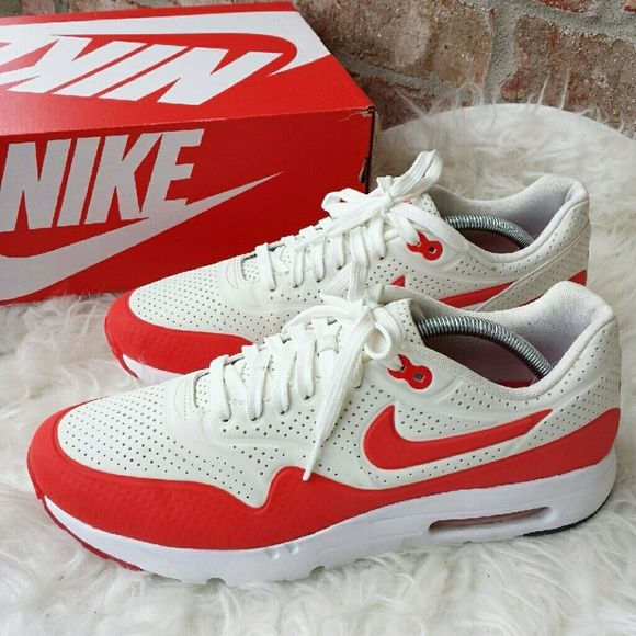 official photos 7e28b c05da AIR MAX 1 ULTRA MOIRE - Mens size 10.5 Nike AIR MAX 1 ULTRA MOIRE Mens size  10.5 Color summit white and challenge red-wht Used. In good condition.