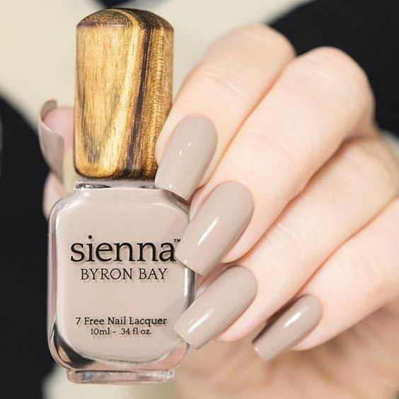 45 Stunning Nail Calm Color for Winter Fashion