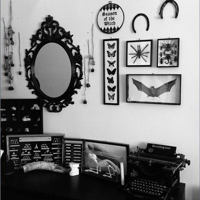 Photo of 88f55d9377e6d343b05bcddf836214fa–gothic-home-decor-gothic-room.jpg (640×640…