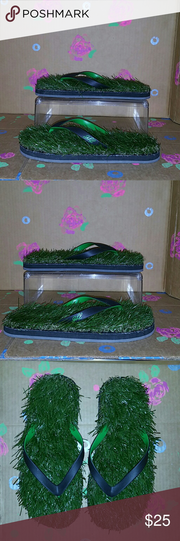 c98ae20fa GFF Grass Flip Flops Size 11 GFF Grass Flip Flops Size 11 Two Tone Straps  Pre-Owned In Excellent Like New Condition No Defects Noted GFF Shoes Sandals  ...
