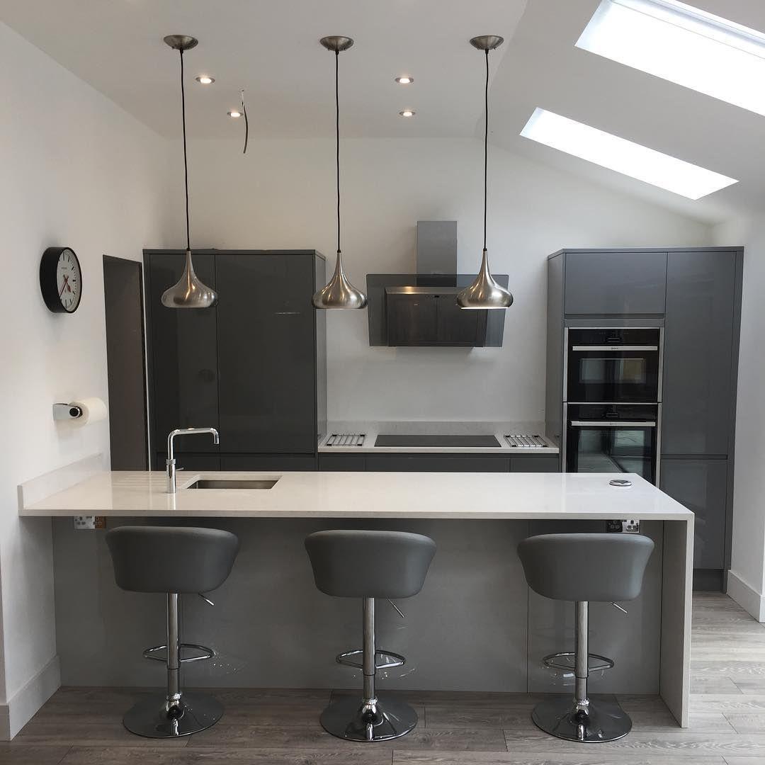 Grey Gloss Kitchen, Howdens Kitchens, Free