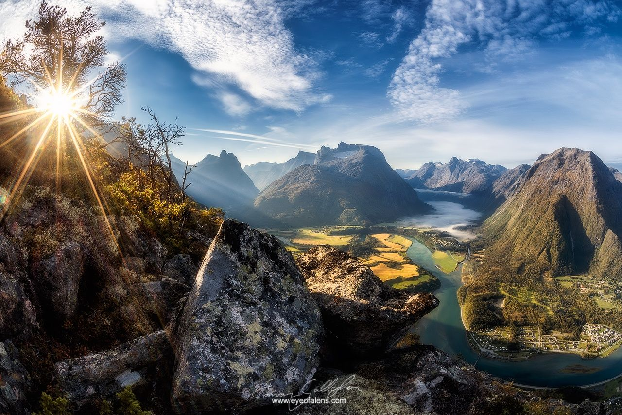 Åndalsnes Alive by Eamon Gallagher on 500px