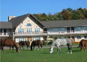 Where To Stay In Ohio S Amish Country Holmes County Hotels Bed And Breakfasts