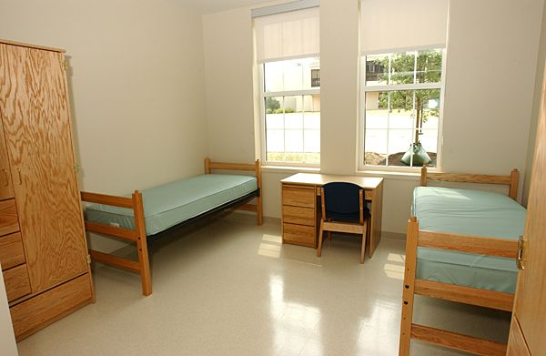 How To Decorate A Dorm Room; Send Your College Student Off ... |Empty Dorm Room