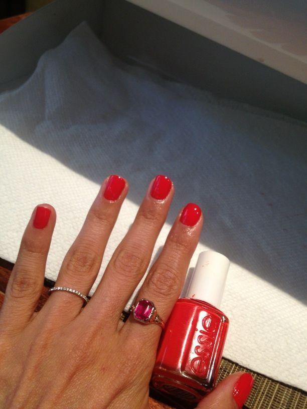 Pretty summer nails   Tracee Ellis Ross ESSIE!!!!!   My