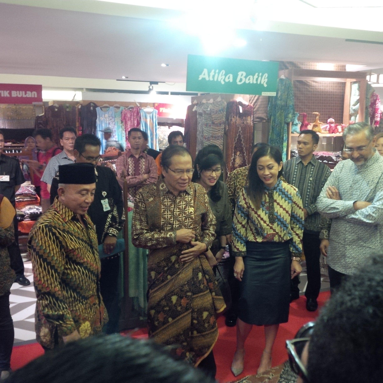 Menko Maritim Sebut Budaya Batik Alami 'Renaisans' - Aktual.Com Terhangat Terpercaya