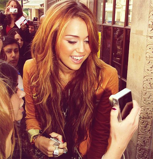 Supposedly 60 percent of Miley's hair is extensions.... Let down :(