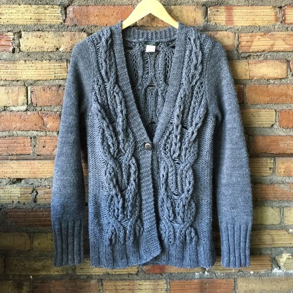 || J. CREW || gray loose knit cardigan In great pre loved condition! One button front! Loose cable knit! J. Crew Sweaters Cardigans