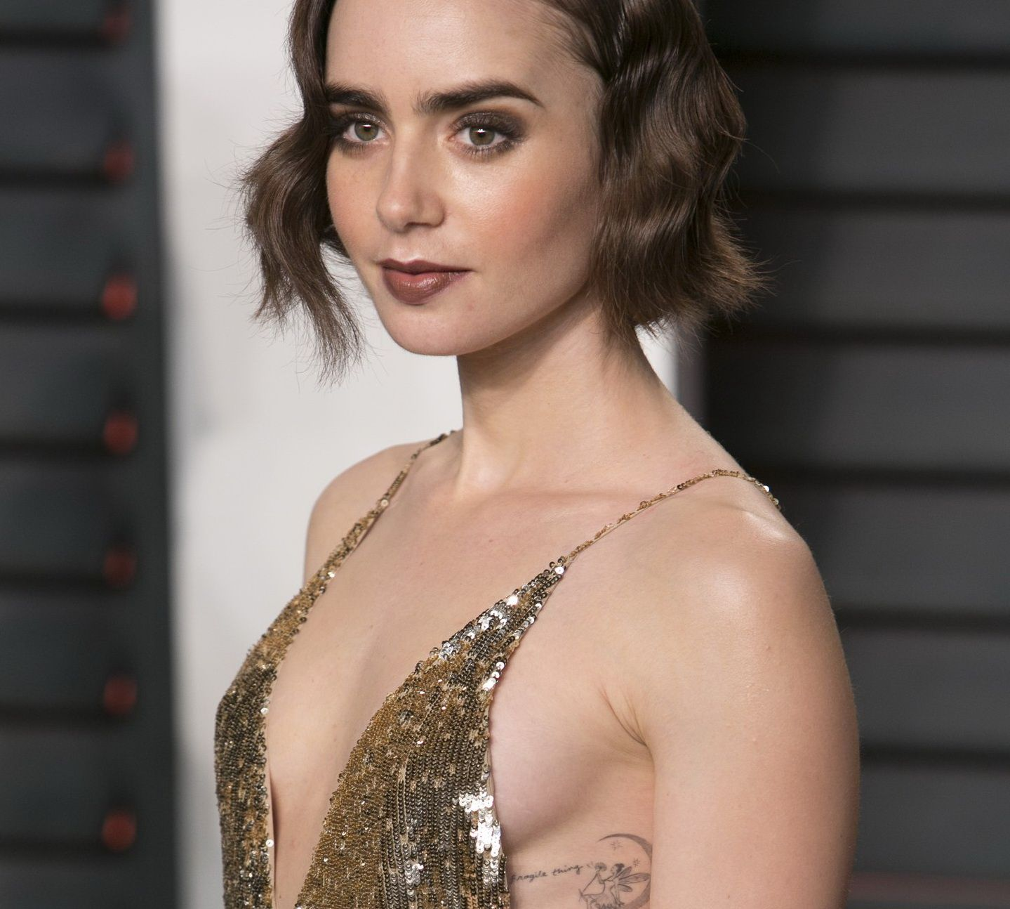 Cleavage Lily Collins naked (58 foto and video), Pussy, Sideboobs, Selfie, lingerie 2006