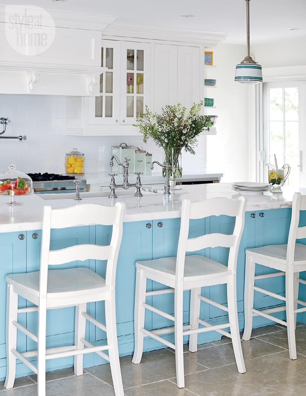 House tour: Eclectic shabby chic | Shabby chic style, House tours ...