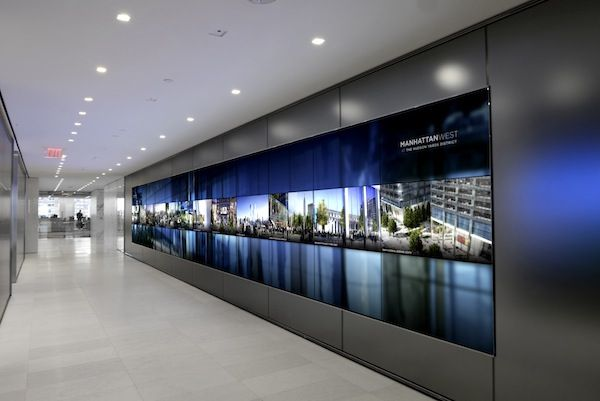 Stunning Videowall At Brookfield S New York Hq D Video Wall Wall Design Interactive Walls