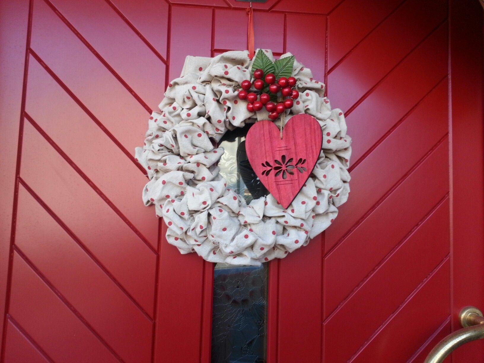 #ghirlanda #porta #rosso #bacche#cuore