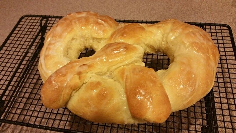 New Year's Pretzel Food, New years traditions, Bread
