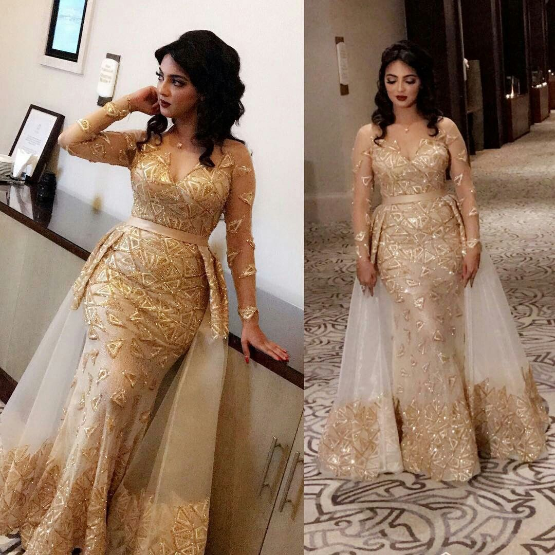 Traditional Wedding Gowns With Detachable Trains: Pin By Syed سید Kashif کاشف On Women's Fashion. Things To