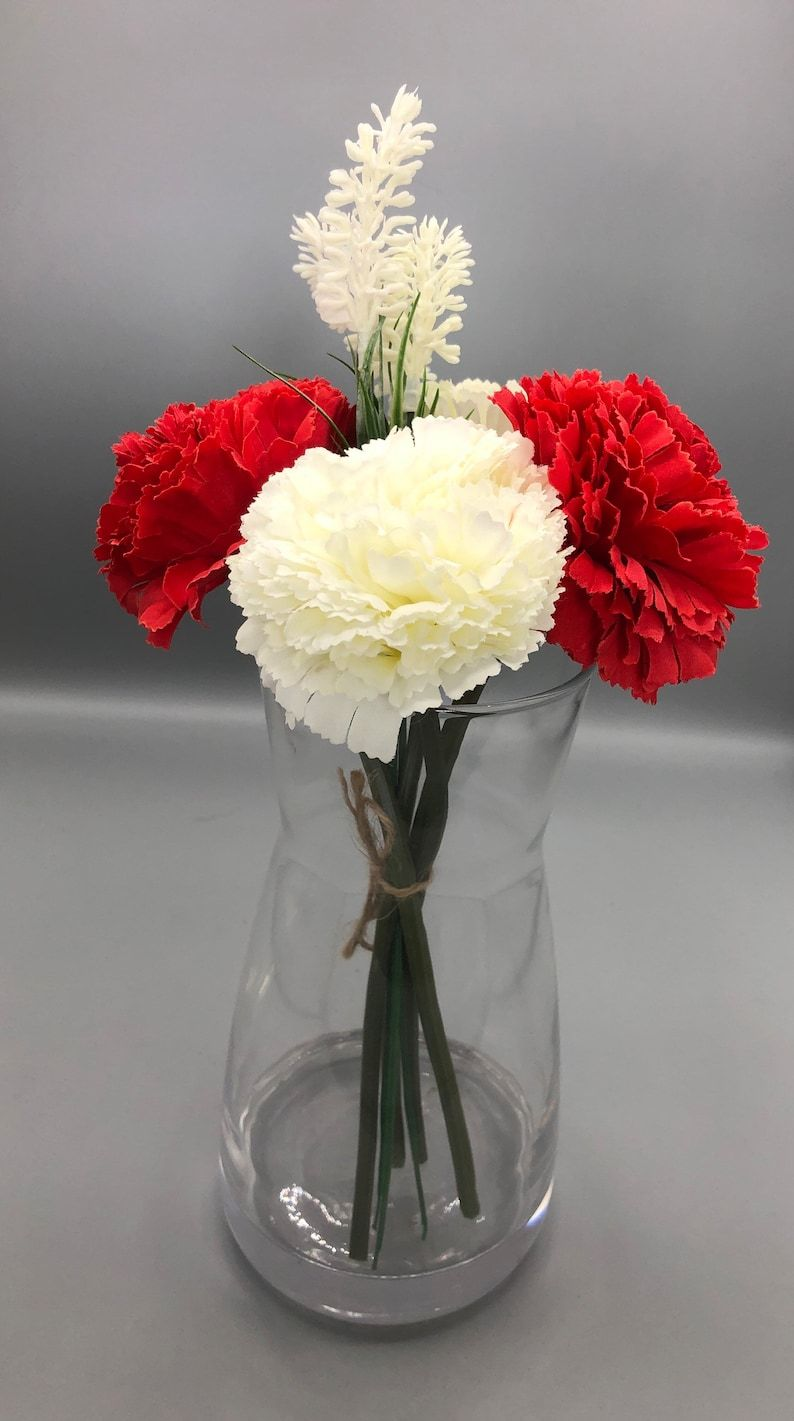 Beautiful Artificial Carnations with vase a eye-ca