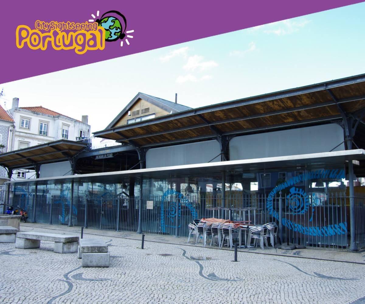 #CitySightseeingAveiro  The Fish Market is from 1910 in the neighborhood of Beira Mar and is one of Aveiro's points of interest.  O Mercado do Peixe está desde 1910 no Bairro da Beira Mar e é um dos pontos de interesse da cidade de Aveiro.