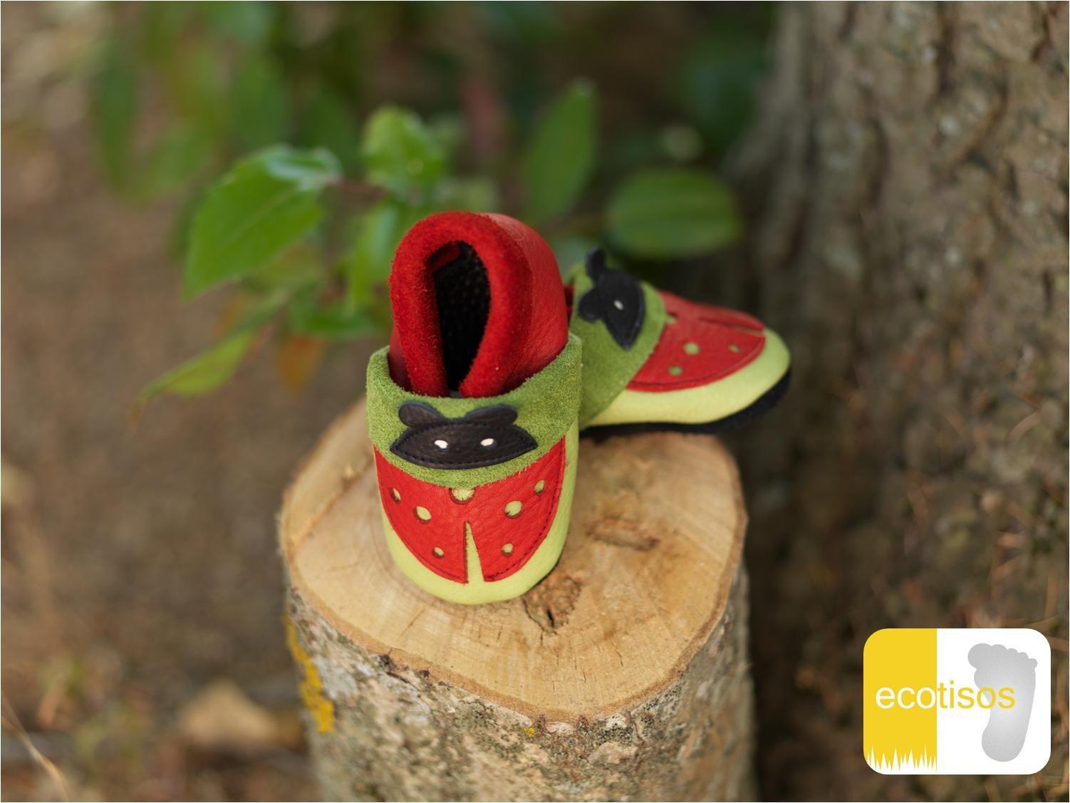 ecotisos - patucos y zapatos infantiles de suela blanda - hechos de cuero ecológico - modelo MARIQUITA