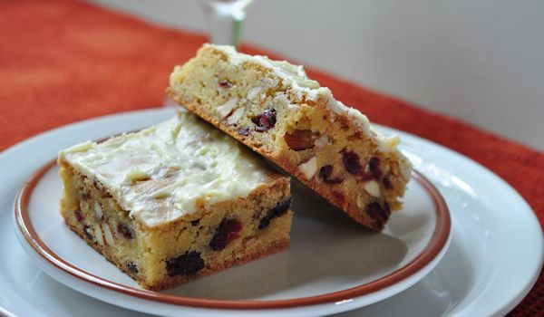 Cranberry Almond Blondies - sweet and tart and crunchy